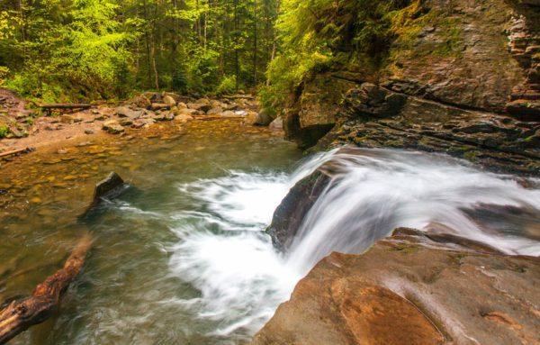 куда поехать на выходные, отдых в яремче, водопад дивочи слезы