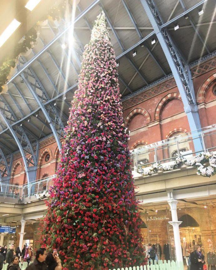 самая красивая елка, необычная елка, елка в Лондоне, красивая елка, цветочная елка