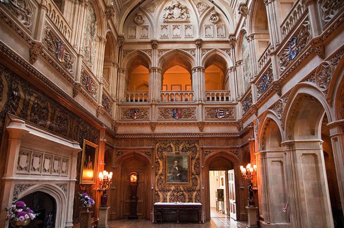 Замок Хайклер Англия ,хайклер замок аббатство даунтон,замок из аббатства даунтон,Замок Хайклер Англия фото