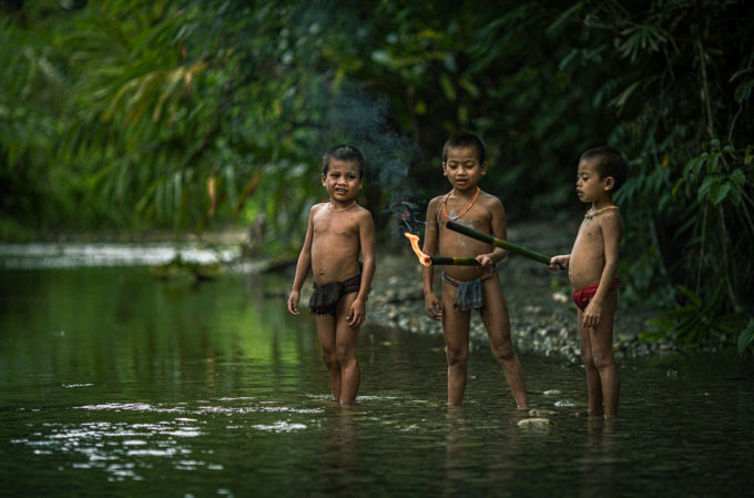 фото дикого племени, индонезия, ментовайские острова