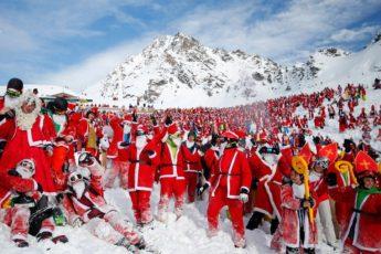 Вербье в швейцарских Альпах,Вербье, Альпы, массовый спуск санта клаусов и святых николаев