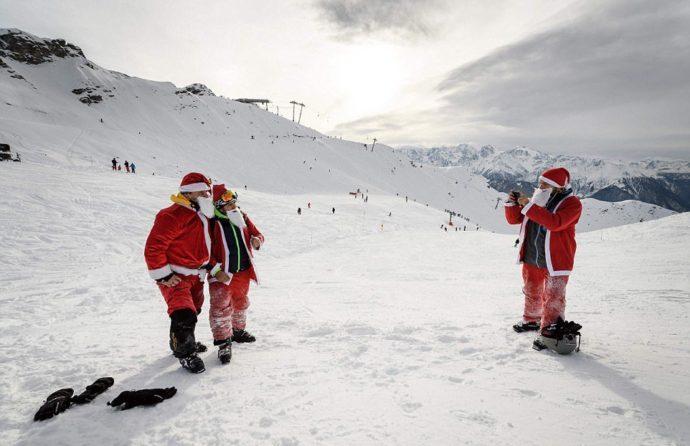 Вербье в швейцарских Альпах,Вербье,Куда поехать на выходные, Альпы, массовый спуск санта клаусов и святых николаев