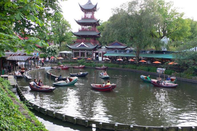 куда поехать на выходные, парк тиволи копенгаген, сады тиволи копенгаген, самый посещаемый парк европы, достопримечательности копенгагена