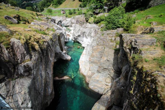 куда поехать на выходные, река Верзаска, самая чистая река, самая чистая река в мире, самая прозрачная река в мире, можно купаться в реке Верзаска