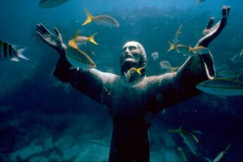 подводная статуя Христа Спасителя, куда поехать на выходные