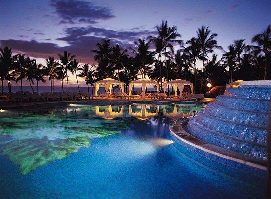 самые красивые бассейны в мире в отелях, куда поехать на выходные