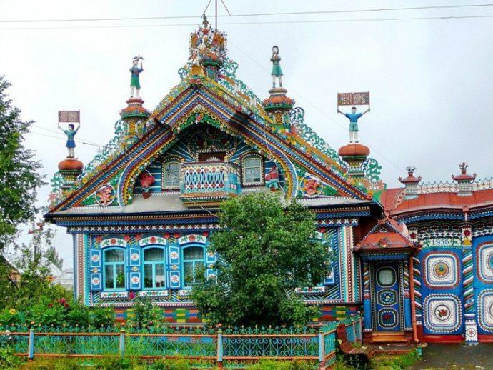 Необыкновенный дом кузнеца Кириллова внутри