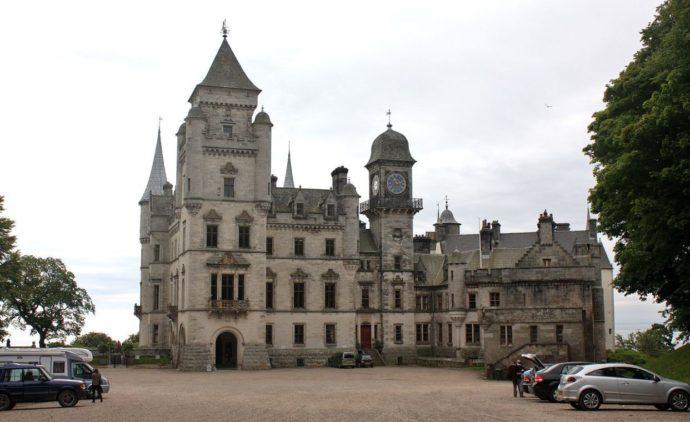 Замок Данробин (Dunrobin Castle) Шотландия, куда поехать на выходные в Шотландии, куда поехать на выходные в Европе, куда слетать на выходные в Европу, Соколиная охота в Европе, соколиная охота посмотреть
