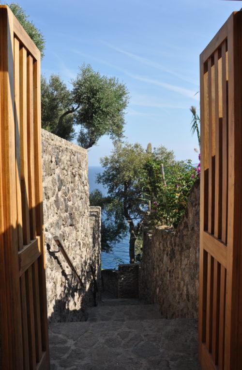 Арагонский замок на острове Искья, куда поехать на выходные в Европе, куда слетать на выходные в Европе, интересные места в Европе, куда поехать на выходные в Италии