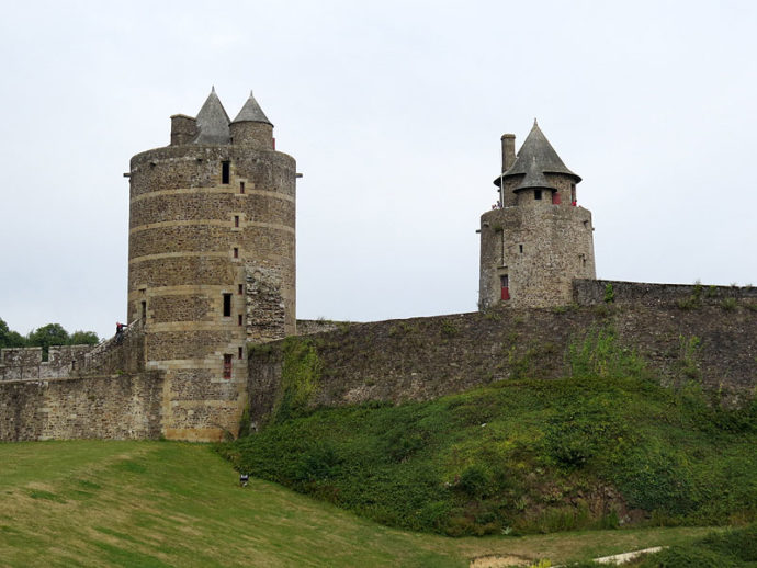 куда поехать на выходные в Европу, куда поехать на выходные во Франции, куда слетать на выходные в Европе, интересные места Европы, средневековые крепости Франции, старинные крепости в Европе, крепость Фужер