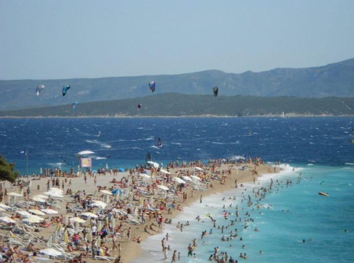 куда поехать на выходные в Европу,лучшие пляжи Европы, где отдохнуть в Европе, куда слетать на выходные в Европе, морской отдых в Европе, пляжный отдых в Европе, пляж Золотой Рог в Хорватии,пляж Золотой Рог в Хорватии как добраться