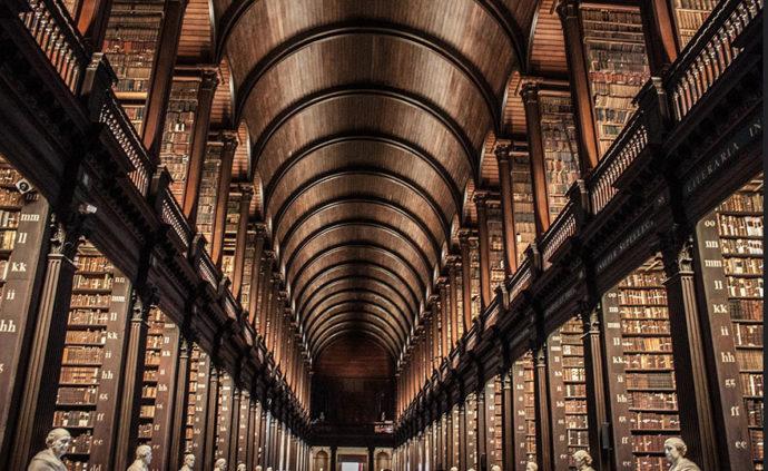 куда поехать на выходные в Европу, интересные места в Европе, куда слетать на выходные в Европу, Что посмотреть в Дублине, Келлская книга экскурсия, Библиотека в Дублине,Библиотека Тринити-колледжа