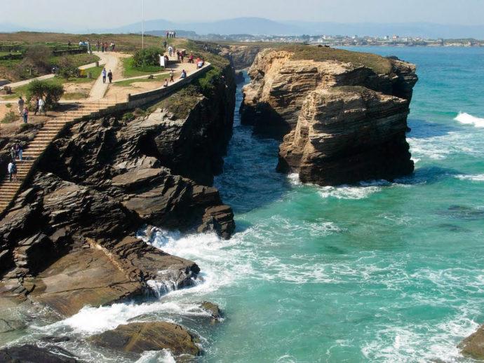 лучшие пляжи Европы, куда поехать на выходные в Европе, куда слетать на выходные в Европе, самый красивый пляж в Европе, интересные места в Европе, Пляж Кафедральных соборов в Испании, куда поехать на выходные в Испании