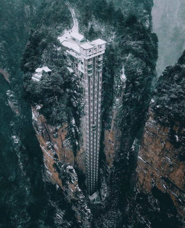 Лифт ста драконов в Китае, самый высокий лифт в мире, лифт байлун