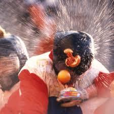 Битва апельсинами в Иврее, исторический карнавал в Иврее, бой апельсинами, бой апельсинами в Иврее, участие в бое апельсинами в Иврее, апельсиновое сражение в Италии, бой апельсинами в Италии, когда битва апельсинами в Иврее в Италии