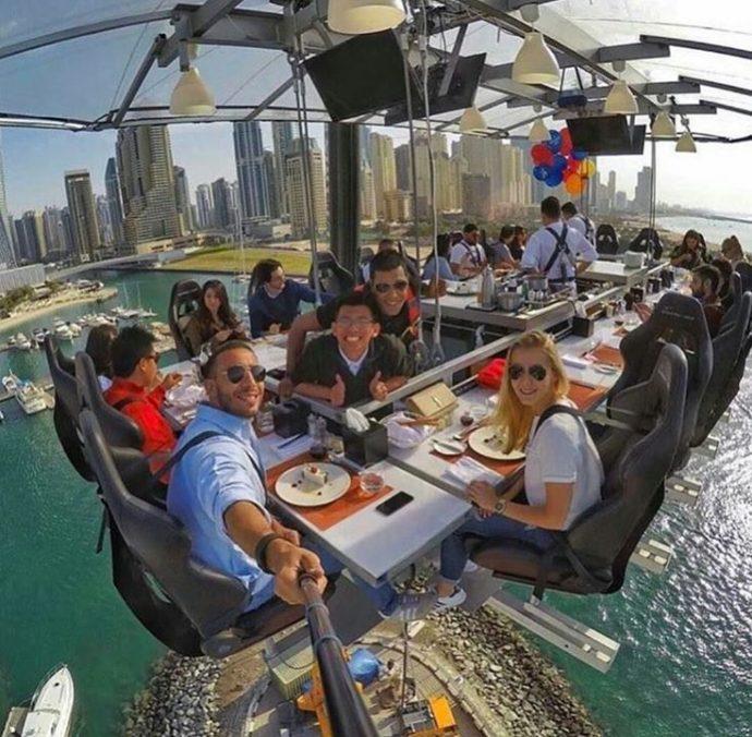 Dinner in the sky- рестораны в небе, от обеда захватывает дух ...