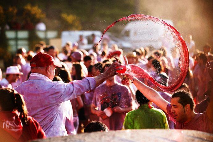 Винные бои в Аро,Винные бои в Испании, куда поехать на выходные в Европу, куда на выходные слетать в Европу, фестивали Испании